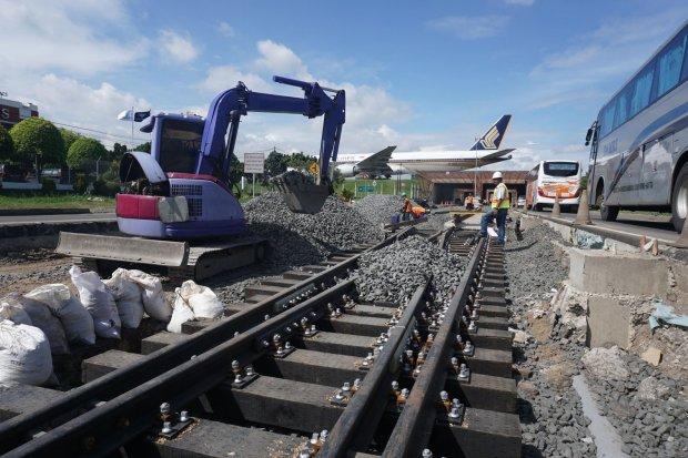 Gerbong Sudah Diekspor, Rel Kereta di Indonesia 100% Masih Impor