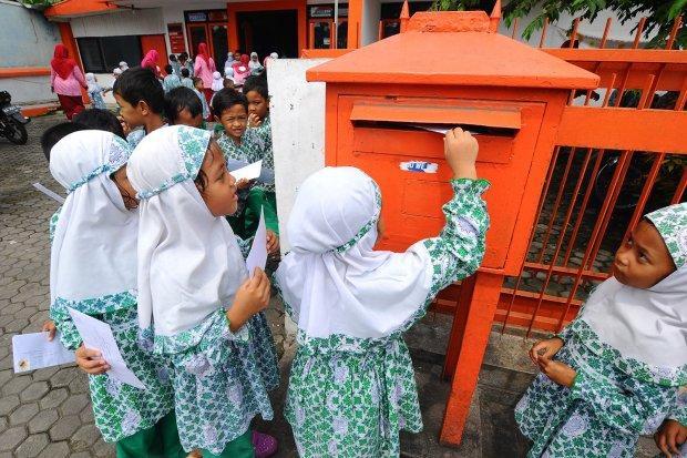 PT Pos, Pos Indonesia, PT Pos bangkrut, bumn tertua, pengiriman barang, logistik, bumn bangkrut
