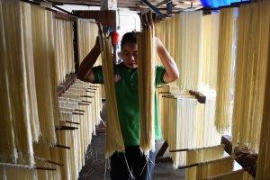 Pembuat mie berbahan dasar tepung terigu