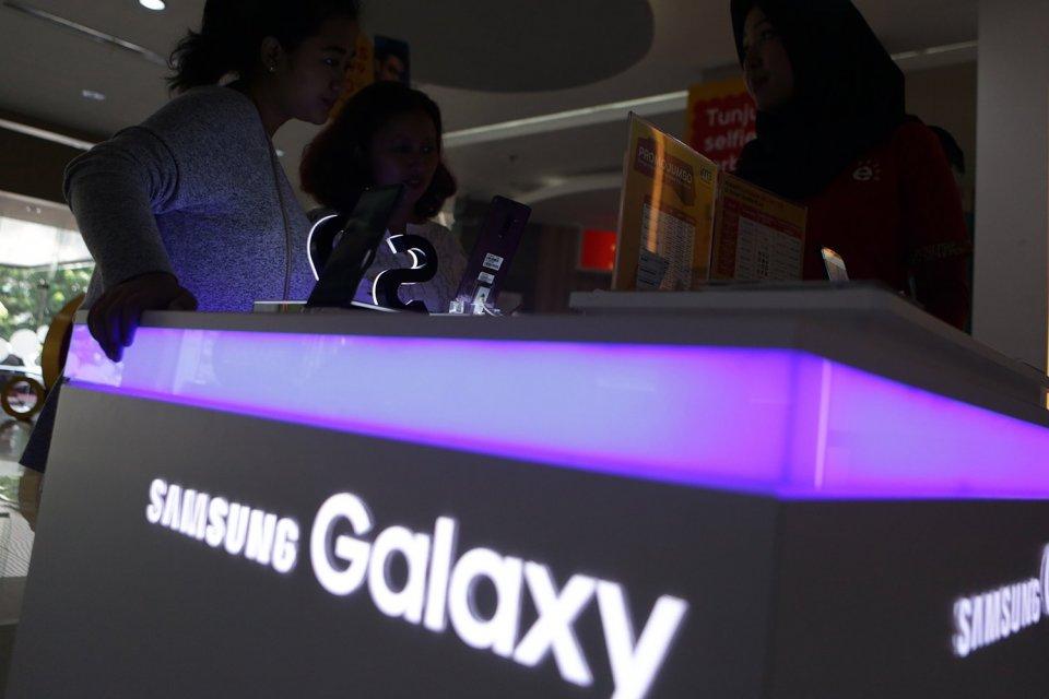 Samsung ditekan oleh pemerintah AS dan Tiongkok terkait Huawei.