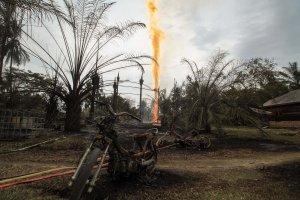 Kebakaran Sumur Minyak Ilegal Aceh Timur