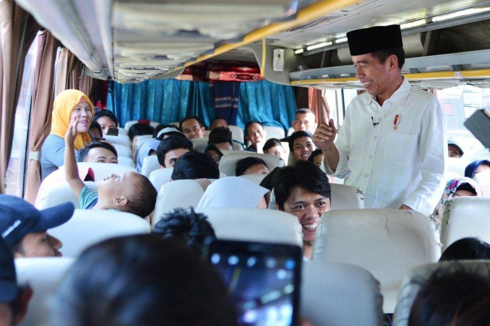Jokowi Sapa Pemudik
