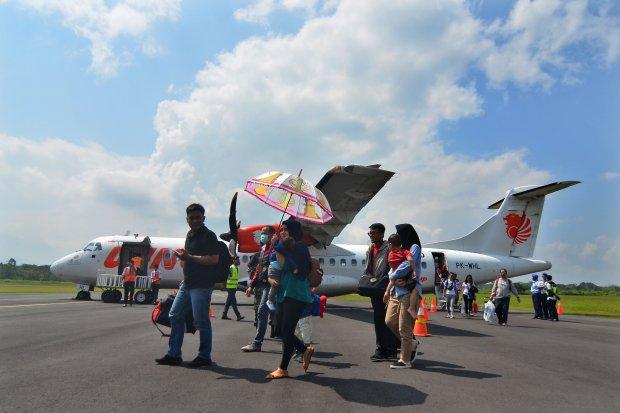 Beberapa maskapai menetapkan harga tiket pesawat hingga 100% dari batas atas.