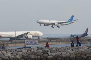 Pendaratan Pesawat Bandara Ngurah Rai
