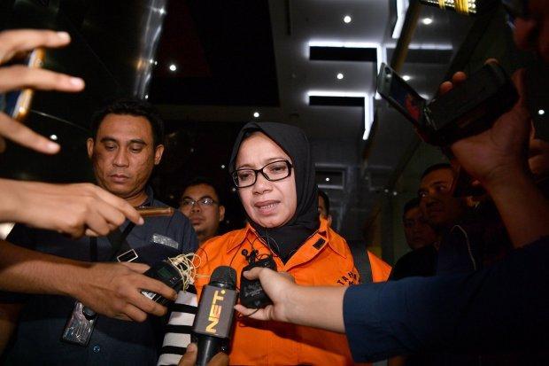 Tersangka kasus suap PLTU Riau-1 Eni Maulani Saragih