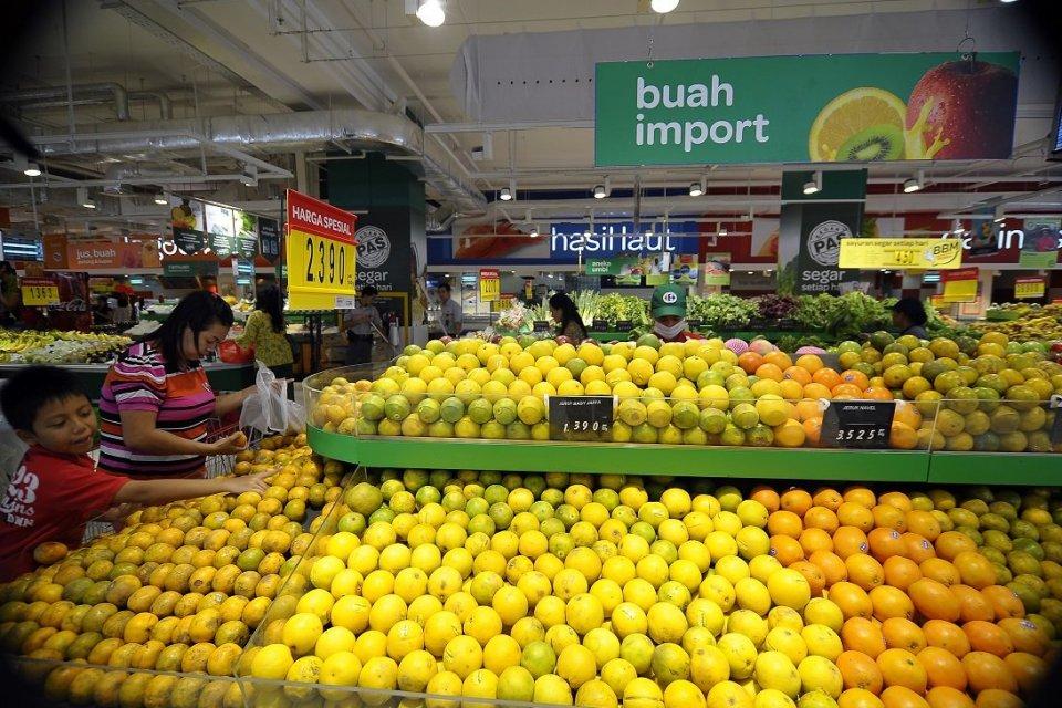 Buah impor membanjiri pasar