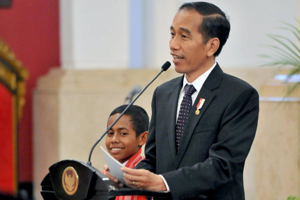 Jokowi dan Si Pemanjat Tiang Bendera Asal Belu (NTT)