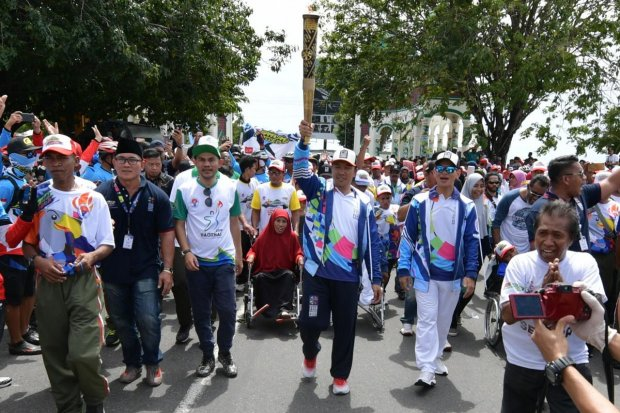 Pawai obor asian para games