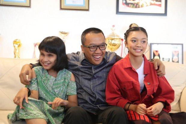 Menpora dan penyanyi asian para games