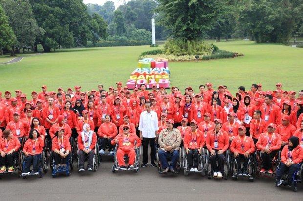 Presiden Jokowi dan atlet APG