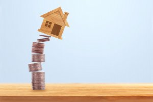 Coins Money dan Falling House - Telaah