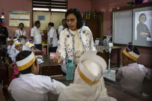 Menteri Sri Mulyani Mengajar