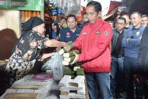 Jokowi di Pasar Anyar