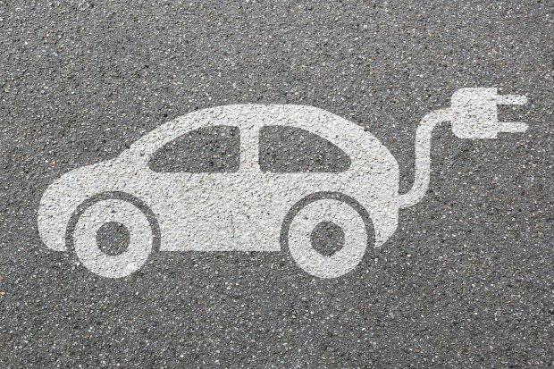 mobil listrik, emisi karbon, kementerian esdm, baterai listrik