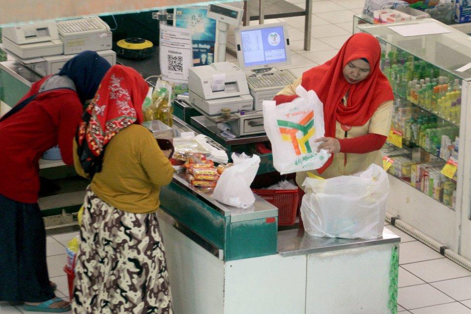 Aprindo Dukung Pengenaan Cukai Plastik, Kantong Belanja