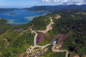 Akses jalan ke Kawasan Wisata Mandeh