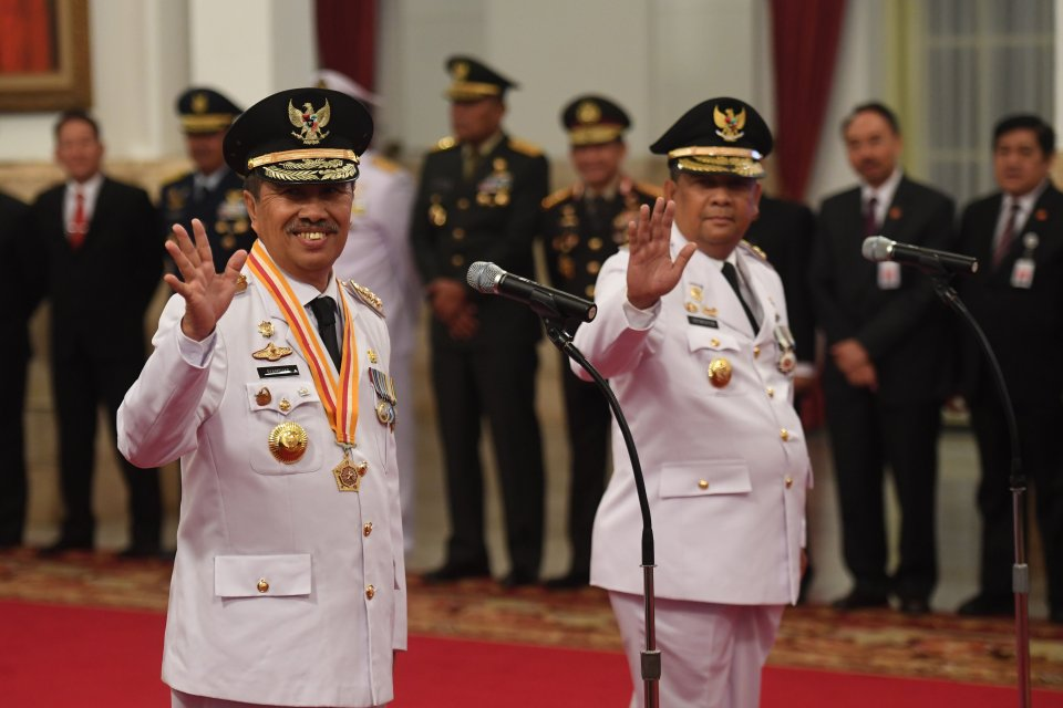 Gubernur Riau Syamsuar dan Wagub Edy Natar Nasution