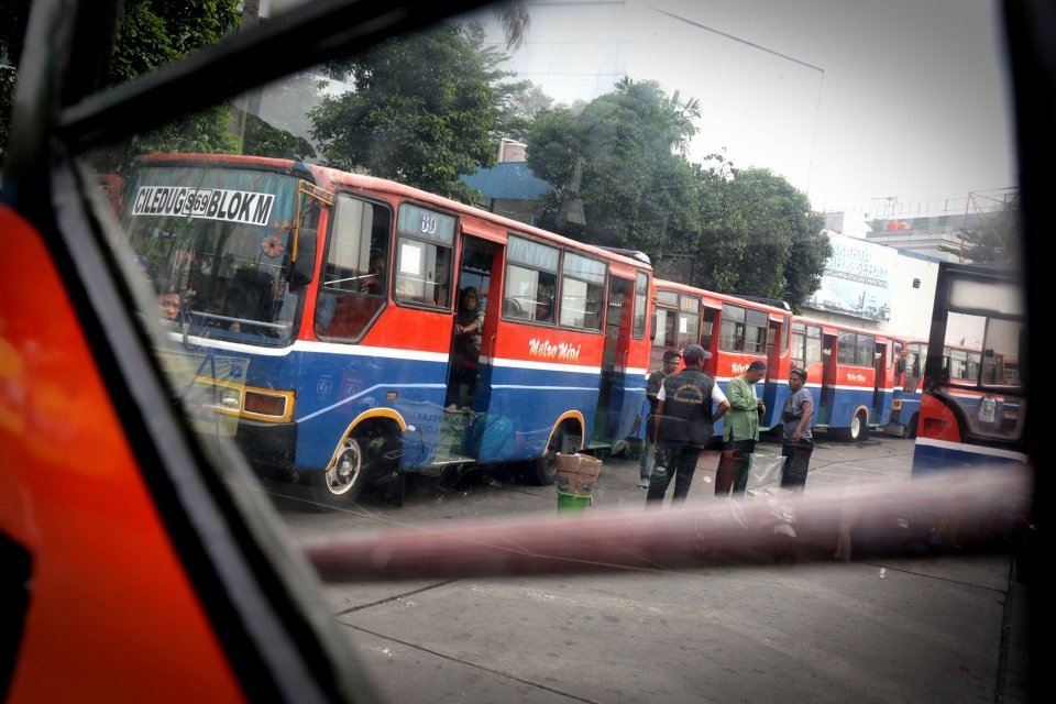 usia angkutan umum dibatasi