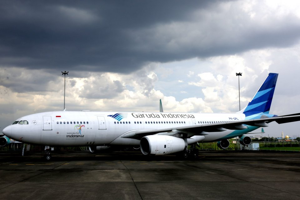 Pesawat Garuda di Hangar GMF, Tanggerang, Banten (2/3). Saat ini Garuda Indonesia mengoperasi 24 pesawat berbadan lebar Aibus A330 sementara unit biaya rendahnya Citilink mengoperasikan 51 unit A320.