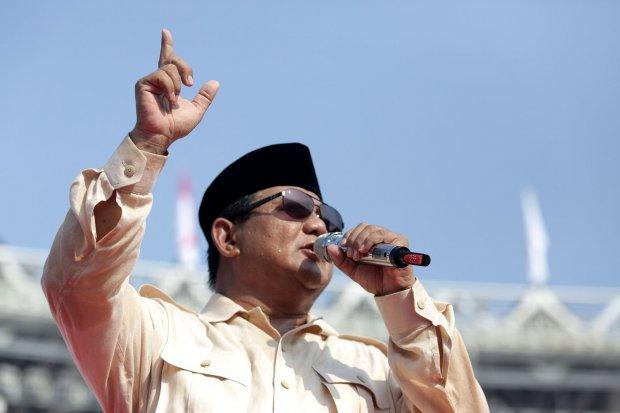 Pihak internal calon presiden Prabowo Subianto keluarkan hasil survei internal yang menyebutkan pasangan Prabowo-Sandi ungguli Jokowi-Ma'ruf dengan selisih 24%