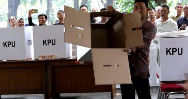 Ada Upaya Delegitimasi KPU dan Bawaslu, Publik Diajak Kawal Pemilu | Katadata News