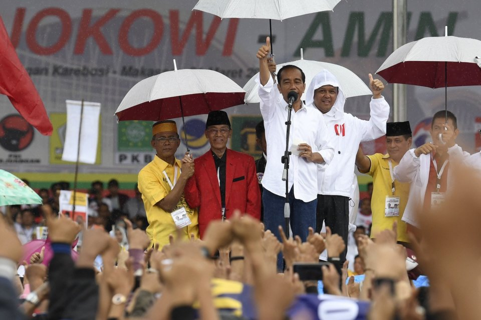 Perolehan Jokowi - Ma'ruf di Sumatera jauh tertinggal dari Prabowo - Sandiaga.