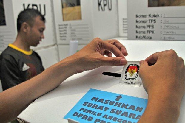 Kpu Nilai Exit Poll Di Luar Negeri Tidak Bisa Dipertanggungjawabkan Nasional Katadata Co Id