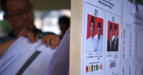 Kawal Pemilu Keluhkan Adanya Data C1 Terindikasi Palsu | Katadata News