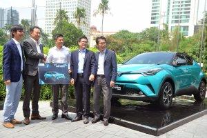 Peluncuran Mobil Hybrid Toyota