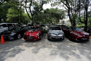 Toyota mobil listrik