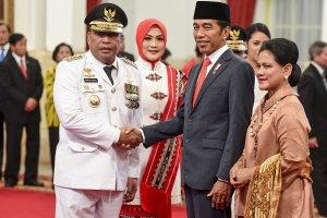 Pelantikan Gubernur Maluku