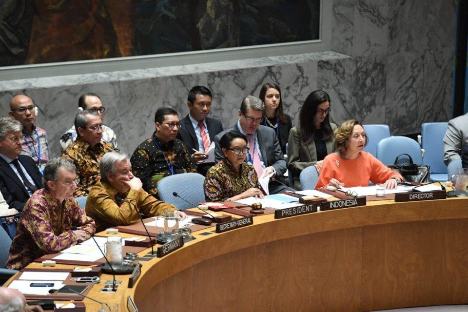 Para anggota delegasi yang hadir dalam Sidang Terbuka Dewan Keamanan PBB.
