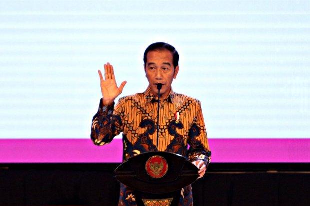 Jokowi bertemu pengusaha, perang dagang as-tingkok peluang ekspor Indonesia