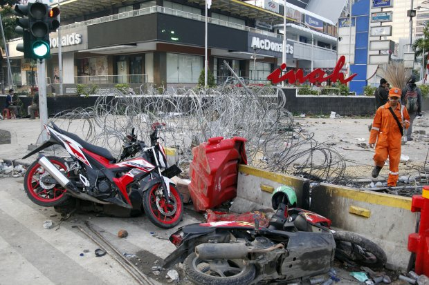 Suasana pasca kerusuhan di sekitaran wilayah MH. Thamrin, Jakarta, Kamis (23/5/2019).
