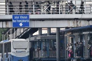 Warga Jakarta kembali beraktivitas