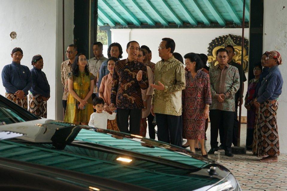 Jokowi bersama Jan Ethes