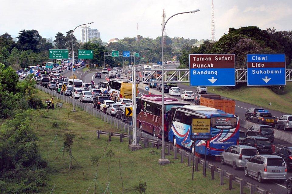 BPTJ menggagas proyek kereta gantung puncak untuk mengatasi kemacetan.
