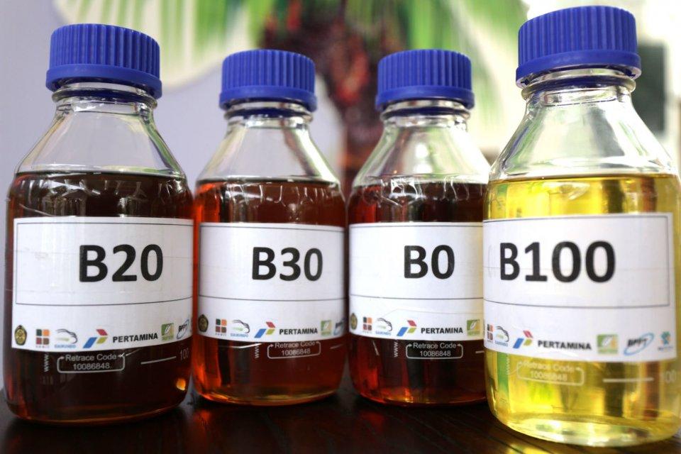 Ilustrasi bahan bakar minyak B20, B30, B0, dan B100.