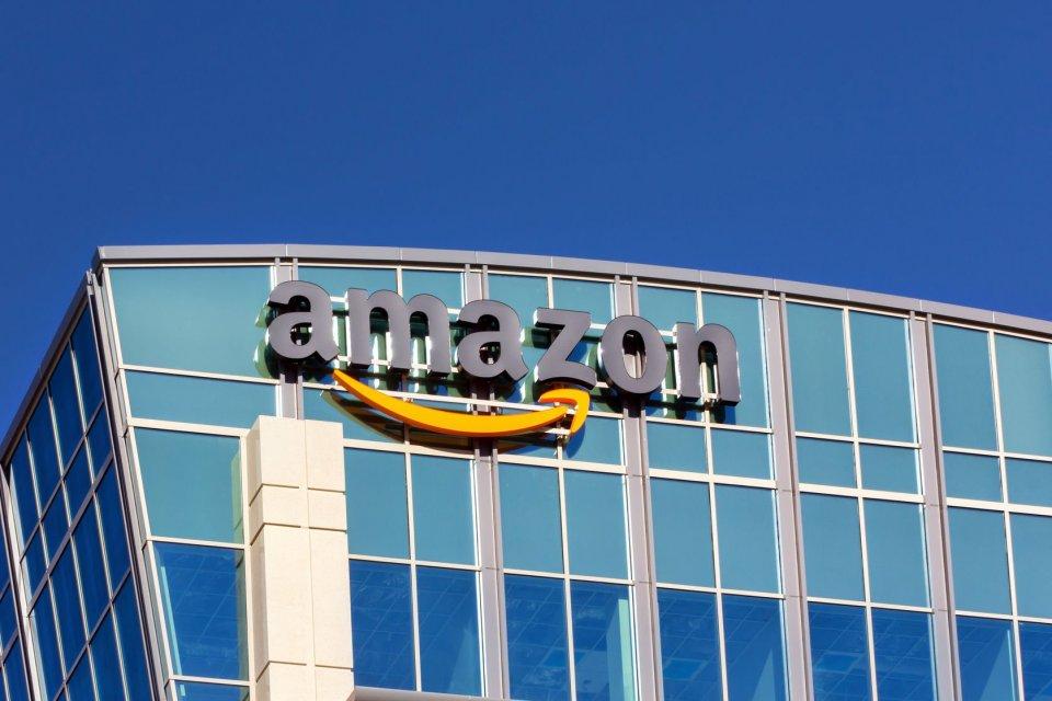 Amazon gugat pentagon karena memberikan kontrak Rp 140 triliun ke microsoft