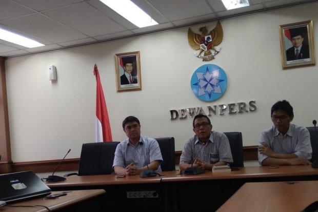 Dewan Pers memberikan keterangan terkait hasil pertemuan mediasi antara Tempo dan eks Komandan Tim Mawar, Mayjend TNI (Purn) Chairawan Chairawan