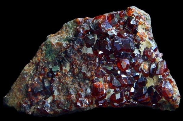 Batu mineral