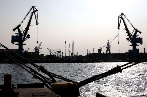 surplus perdagangan tiongkok, neraca perdagangan, ekspor tiongkok, impor tiongkok, perang dagang as-tiongkok