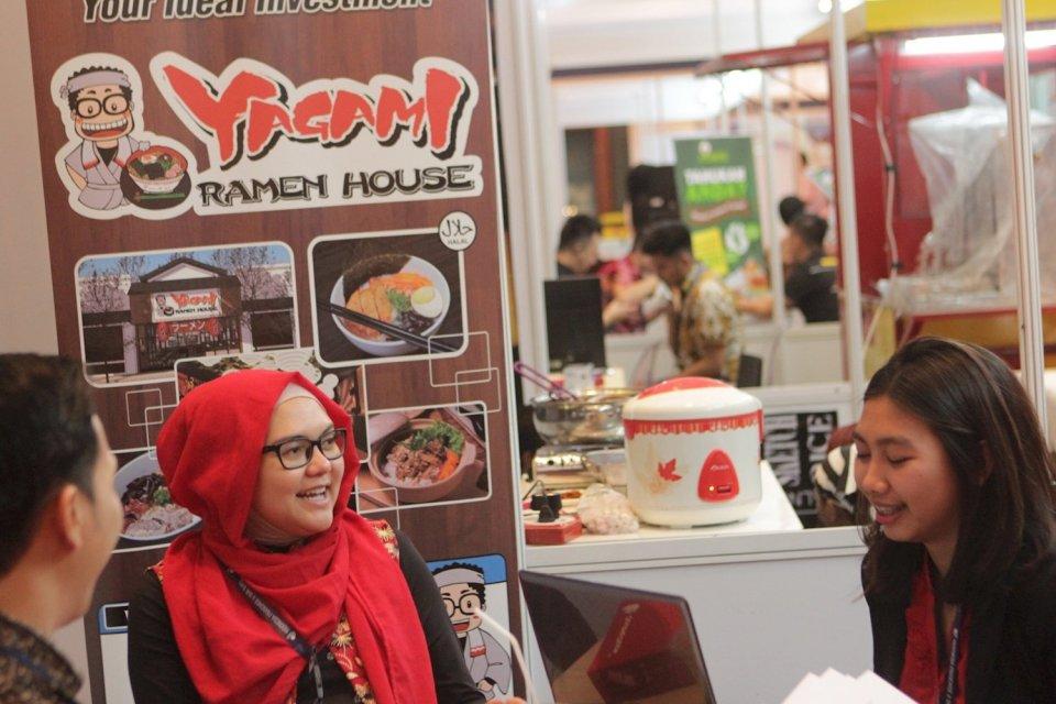 Ketua Asosiasi Franchise Indonesia (AFI), Anang Sukandar memprediksi pertumbuhan industri waralaba lokal bakal stagnan di kisaran 8%-10% hingga akhir tahun.