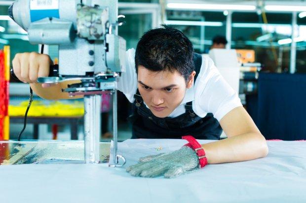 Ilustrasi tenaga kerja. Perusahaan rintisan (startup) bidang ketenagakerjaan, Workmate meraih pendanaan Rp 73 miliar (US$ 5,2 juta) dari sejumlah investor kelompok investor yang dipimpin oleh perusahaan modal ventura yang berbasis di Singapura yakni Atlas