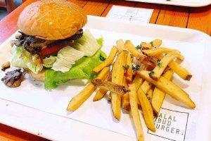 halal ubud burger