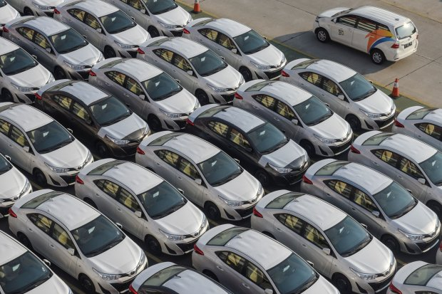Daya Beli Melemah, Penjualan Mobil Awal Tahun Turun 2.005 Unit.