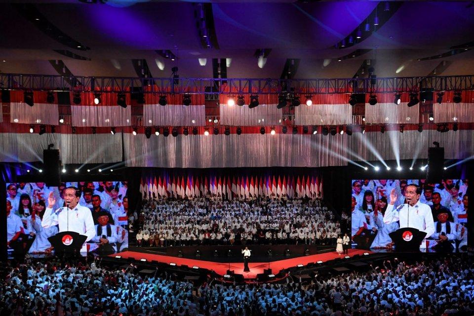 Presiden terpilih Joko Widodo menyampaikan pidato pada Visi Indonesia di Sentul International Convention Center, Bogor, Jawa Barat Minggu (14/7/2019). Joko Widodo menyampaikan visi untuk membangun Indonesia di periode kedua pemerintahannya diantaranya pem