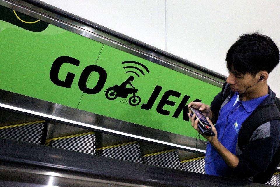 Gojek sediakan tas khusus bagi pengemudi untuk mengurangi penggunaan plastik.