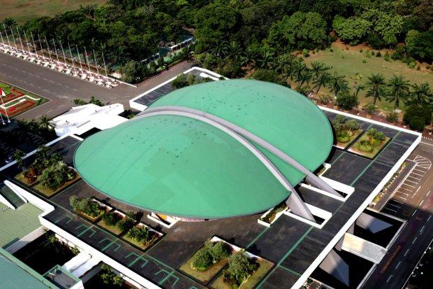 Gedung DPR tampak dari atas, Jakarta Pusat (16/7).