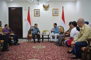 Wapres M Jusuf Kalla menerima CEO GOJEK Nadiem Makarim di Kantor Wapres, Jalan Medan Merdeka Utara, Jakarta Pusat, Selasa (16//07/2019).